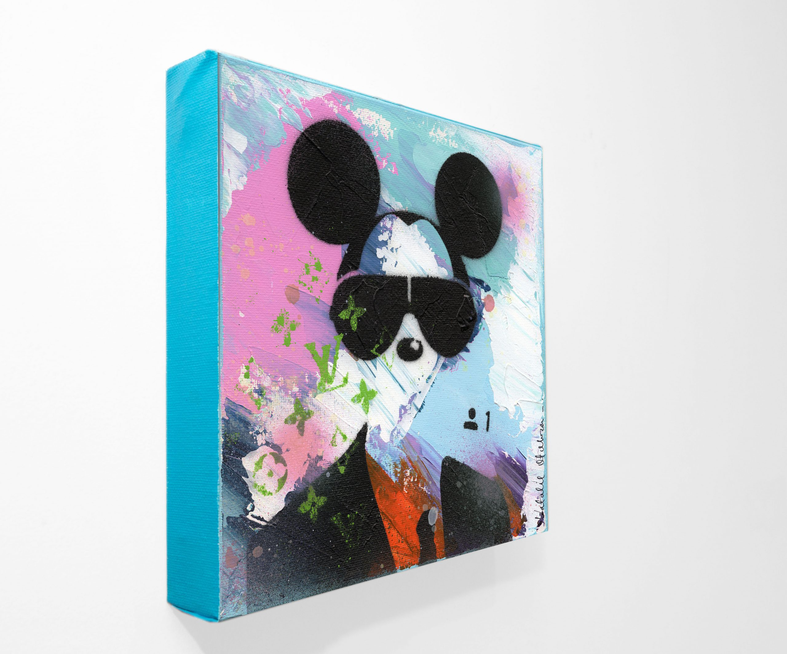 NATALIE-OTALORA-ART-GRAFFITI-MICKEY WANTS TO BE YOUR FRIEND-PERSPECTIVE